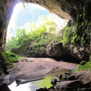 Tour du lịch Quảng Bình - trekking Hang én 2 ngày 1 đêm