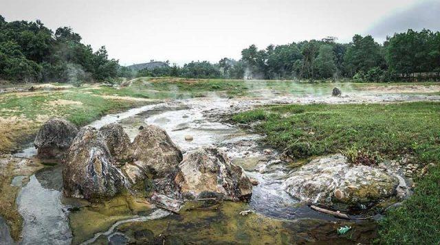 Suối Nước Khoáng Nóng Bang Quảng Bình