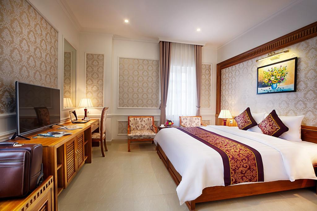 Khách Sạn Riverside Quảng Bình