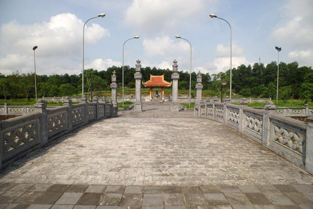 Lăng Mộ Lễ Thành Hầu Nguyễn Hữu Cảnh